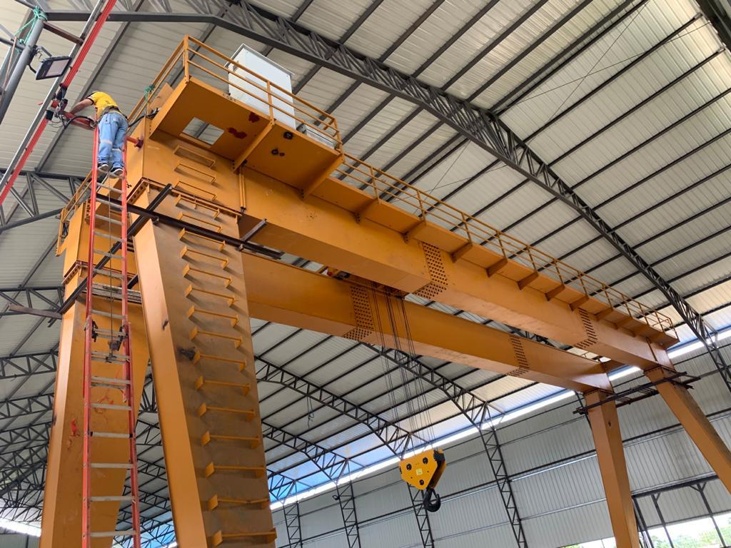Proyecto de grúa industrial